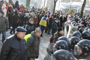 Pavlo Khazan, Maidan de Dniepropetrovsk, dialogando con fuerzas gubernamentales.