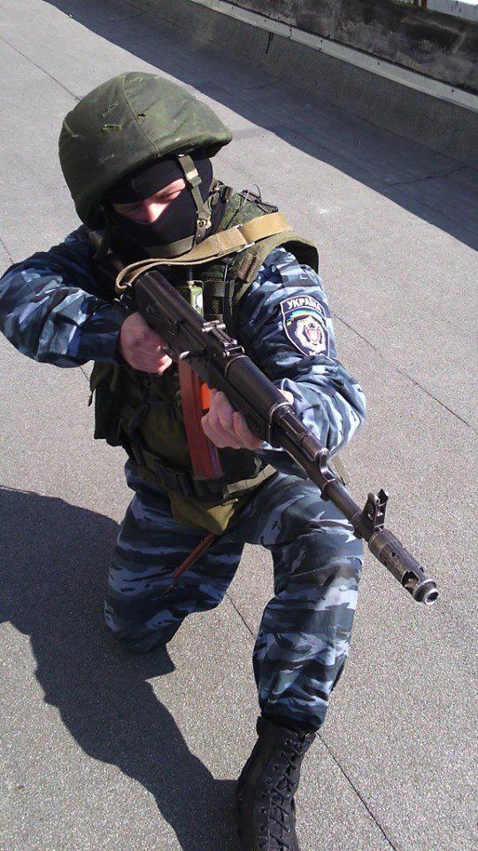 """Fanis Khasanshin en el uniforme de """"Berkut"""""""
