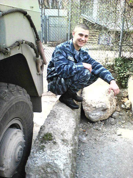 """Vyacheslav en el uniforme de """"Berkut"""""""