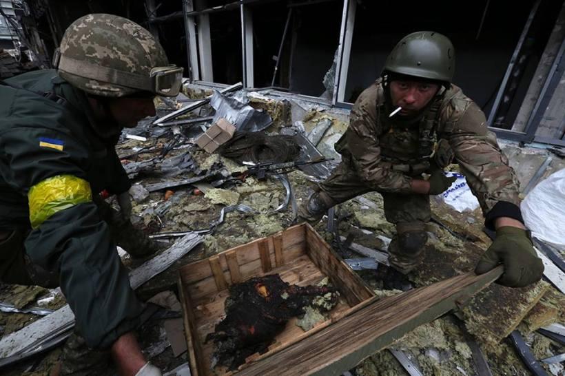 Restos del tanquista ponen en una caja