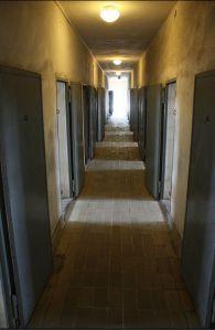 """El aspecto moderno del pasillo en el cuartel """"Tsellenbau"""", donde mantuvieron a Bandera y otros miembros de OUN."""