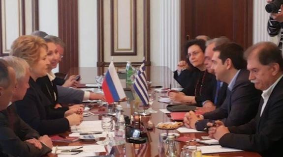 Valentina Matvienko y Alexis Tsipras en una reunión en Moscú, mayo 2014