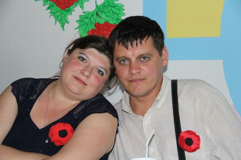 Tovstyk con su mujer Olesya