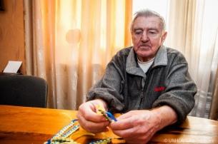 Víktor Oleksiyovych estuvo viviendo casi un año en un sótano y perdió el oído casi por completo.