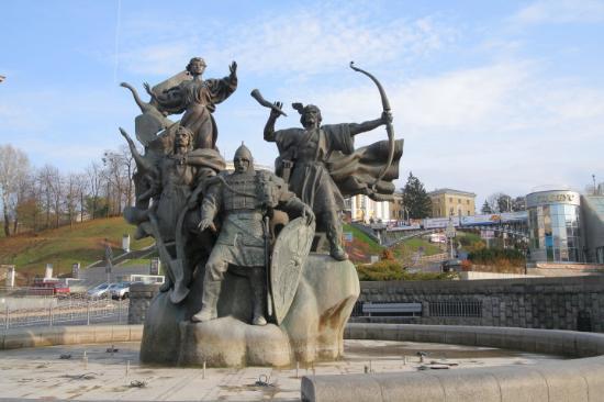 kiev-hermanos-vikingos
