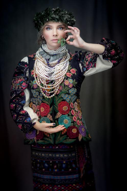 traje-popular-de-mujer-ucraniana-ternopil