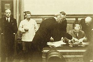 ribbentrop-molotov_pacto-23_08_1939