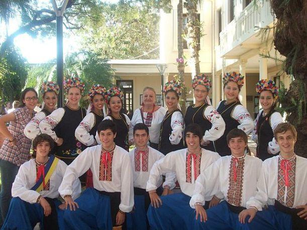 Parte_del_ballet_ucraniano_barvinok_de_obera_misiones